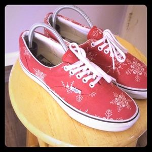 3bd35fac6c22a6 ... and Wolf Grey Vans Size 8.5 Red Skull flakes